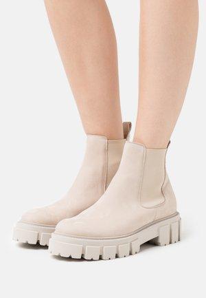VIDA - Classic ankle boots - desert