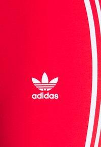 adidas Originals - STRIPES COMPRESSION - Leggings - Trousers - red - 7