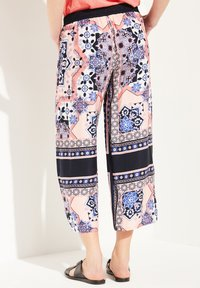 comma casual identity - Trousers - marine scarf print - 2