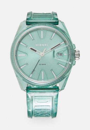 MS9 - Klocka - green