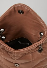 Pieces - PCJULY CROSS BODY KEY - Across body bag - tobacco brown - 3
