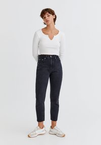 PULL&BEAR - Relaxed fit jeans - mottled black - 1
