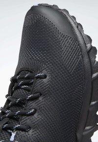 Reebok - REEBOK SAWCUT GTX 7.0 SHOES - Trail running shoes - cornflower blue - 8