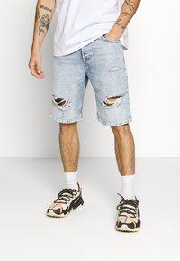 Only & Sons - ONSAVILIFELOOSE  - Shorts - blue denim - 0