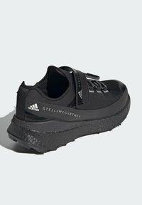 adidas by Stella McCartney - BOOST MACCARTNEY RAN.RDY RUNNING REGULAR SHOES - Zapatillas de trail running - black - 3