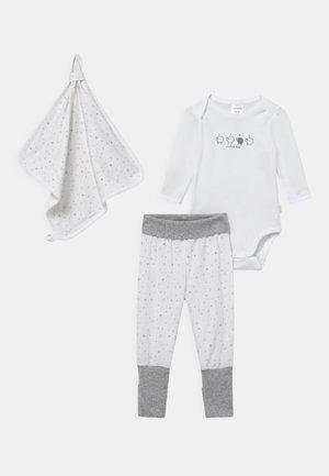 SET UNISEX - Pantalones - white