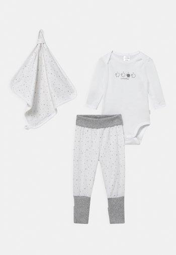 SET UNISEX - Trousers - white