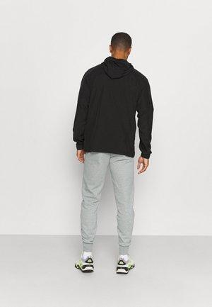 EMBROIDERY LOGO PANTS - Pantaloni sportivi - medium gray heather