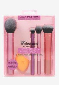 Real Techniques - EVERYDAY ESSENTIALS SET - Set de brosses à maquillage - - - 1