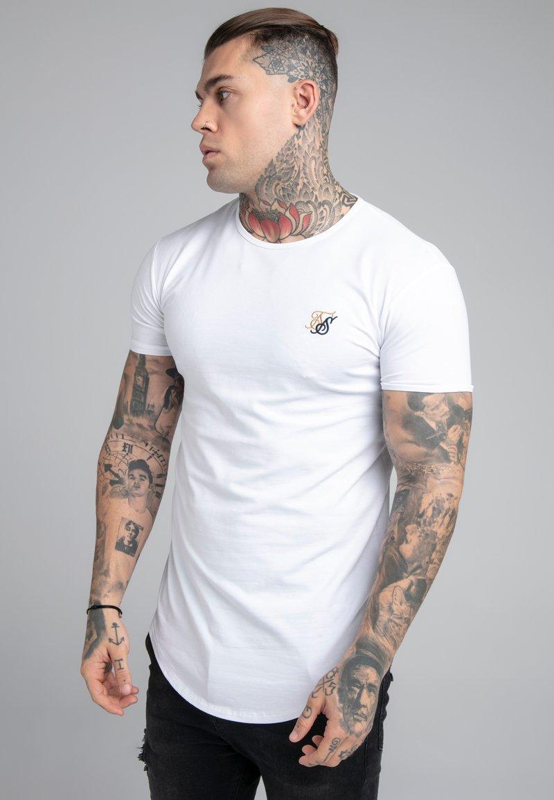 SIKSILK - CONTRAST LOGO GYM TEE - T-shirt basic - white