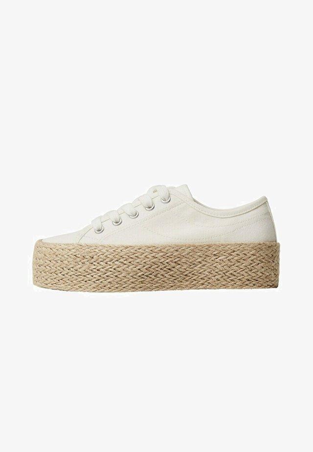Sneakers laag - cremeweiß