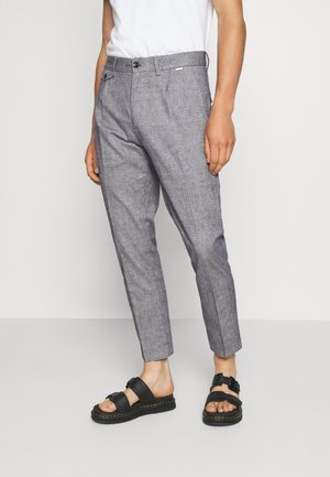 TAPERED PLEAT MICRO PANT - Trousers - blue