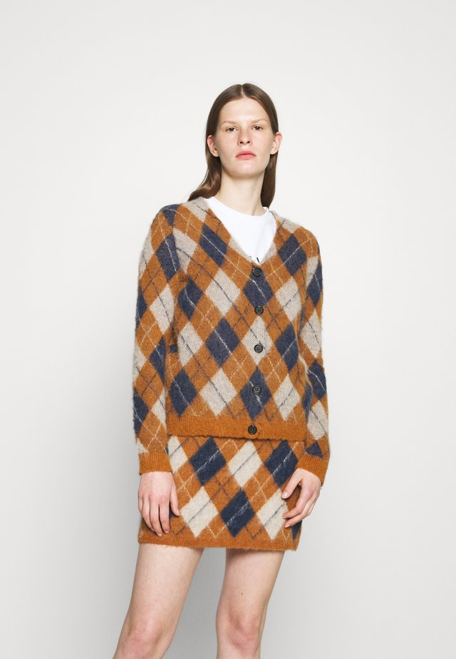 ARGYLE CARDIGAN - Strickjacke - tan/navy/off white