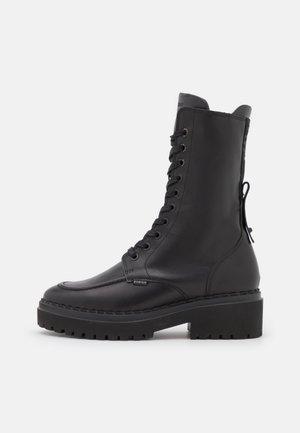 FAE AUBINE - Stivali con i lacci - black
