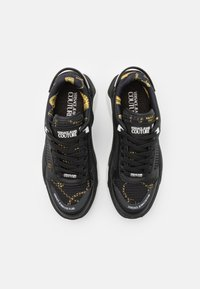 Versace Jeans Couture - Baskets basses - black - 3