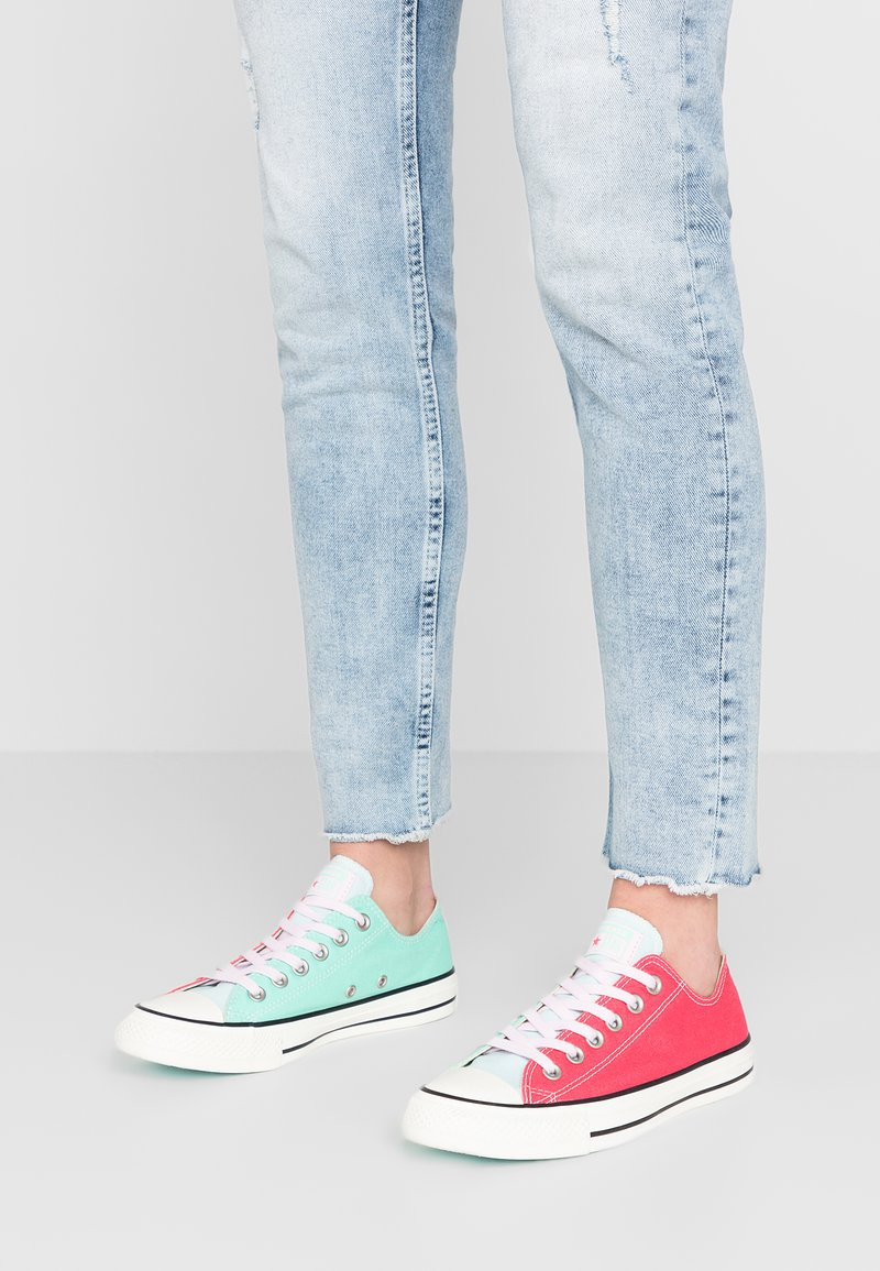 Converse - CHUCK TAYLOR ALL STAR OX - Zapatillas - mix colored/red