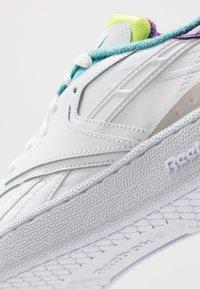 Reebok Classic - CLUB C RC 1.0 LIGHT TENNIS STYLE SHOES - Sneaker low - white/regal purple/skull grey - 5