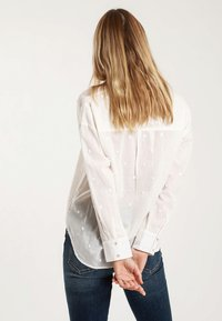 Pimkie - MIT MOTIV - Button-down blouse - white - 2