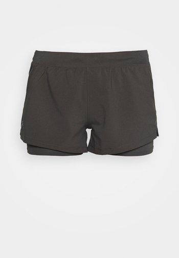 CHILL RUN 2N1 SHORT - Sports shorts - jet gray