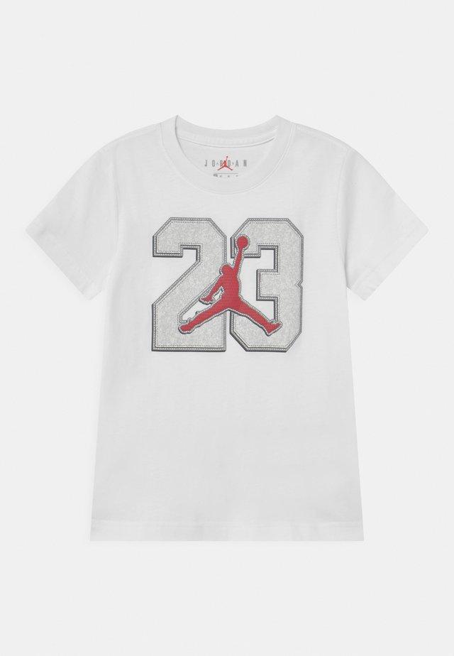 GAME TIME - Print T-shirt - white