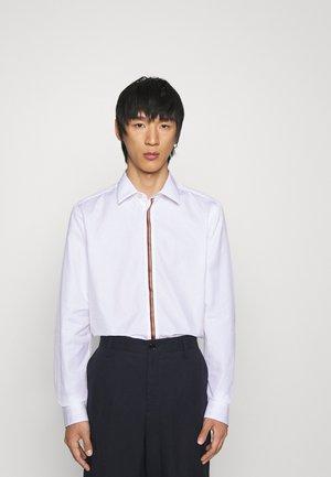 TAILORED SHIRT - Shirt - white