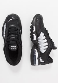 Nike Sportswear - AIR MAX TAILWIND IV  - Sneakersy niskie - black/white - 0