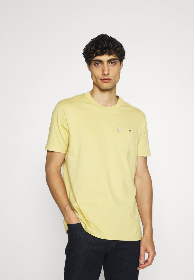 SIGNATURE TEE - Jednoduché triko - pale yellow