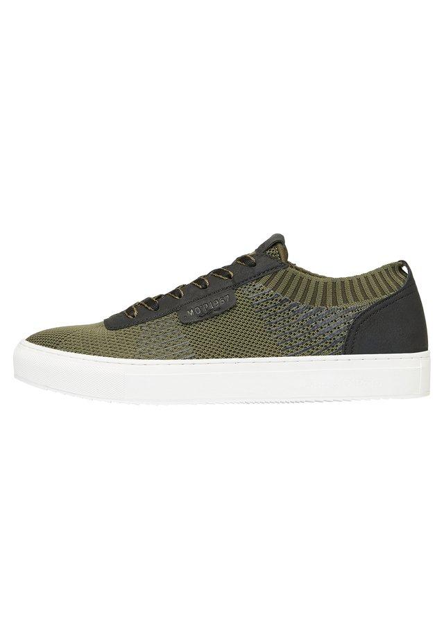 BASKETS EN TRICOT - Sneaker low - green