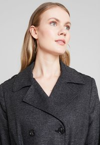 NAF NAF - ACHICKY - Trenchcoats - fantaisie - 3