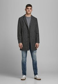 Jack & Jones - JJEMOULDER  - Short coat - caviar - 1