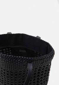 PARFOIS - BAG TWIST  - Handbag - black - 2