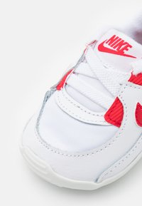Nike Sportswear - MAX 90 CRIB - Patucos - white/hyper red - 5