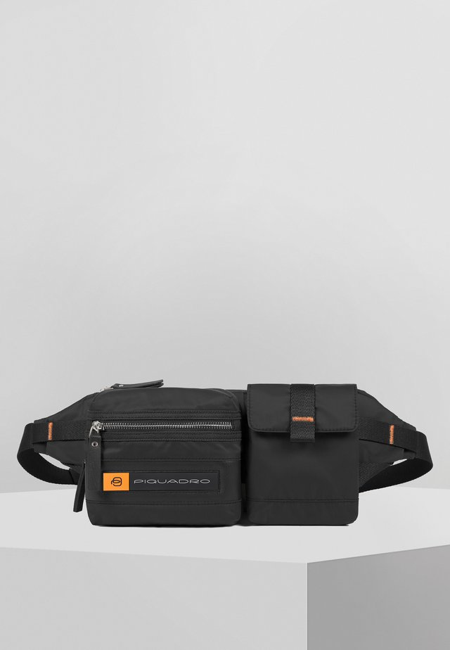PIQUADRO PQ-BIOS GÜRTELTASCHE 32 CM - Gürteltasche - black