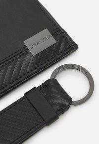 Calvin Klein - WALLET KEYFOB SET - Peněženka - black - 3