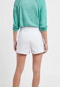 Next - BERRY - Shorts - white - 2