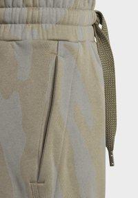 adidas by Stella McCartney - Teplákové kalhoty - clay/dovgry - 4