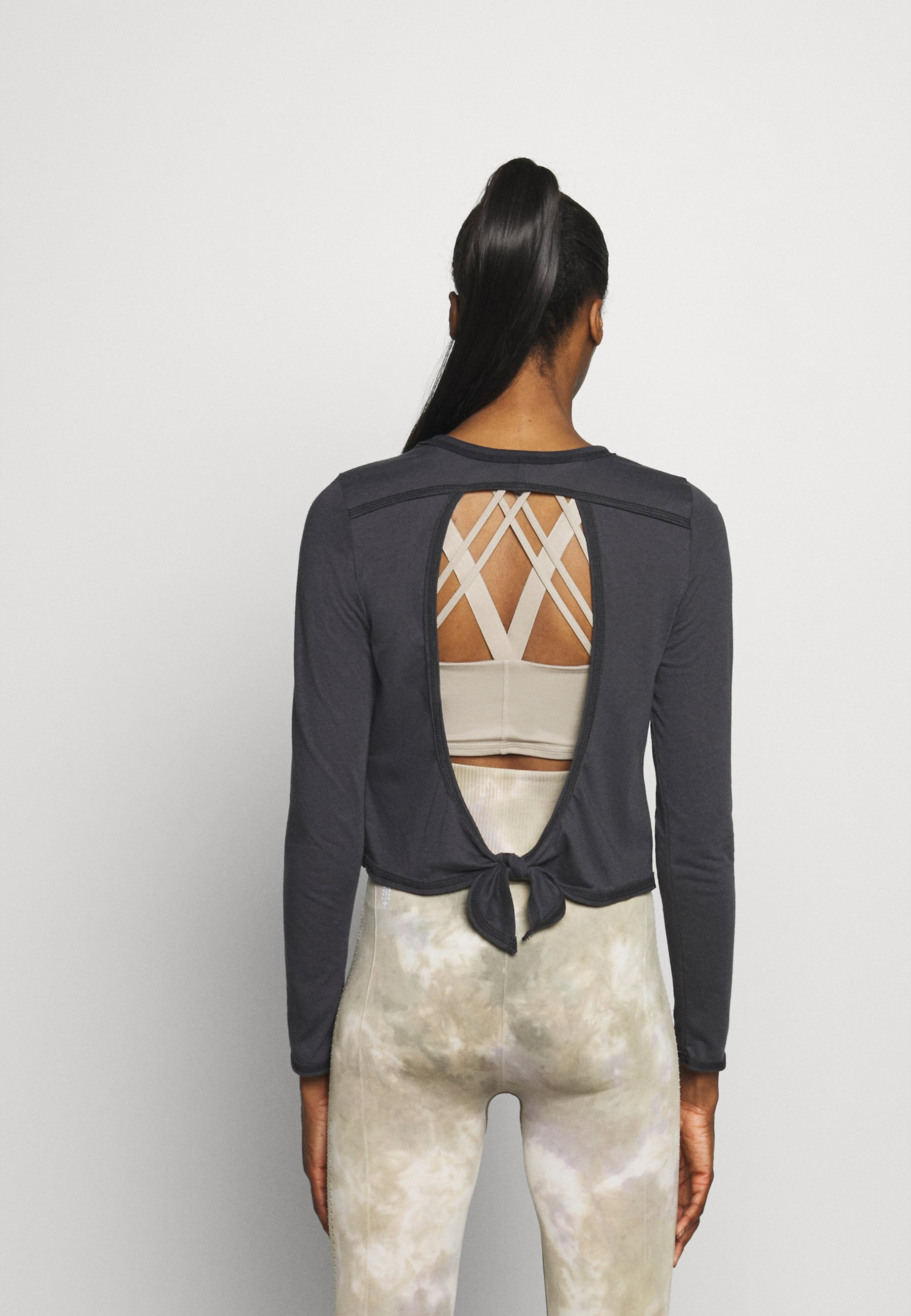 Onzie VINTAGE TIE BACK - Long sleeved top - black ObTHr