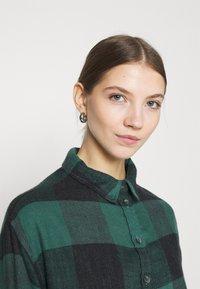 American Eagle - BABYDOLL PLAID - Button-down blouse - green - 3