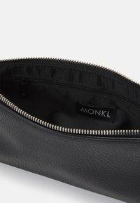 Monki - GIGI BAG UNIQUE - Handbag - black - 2