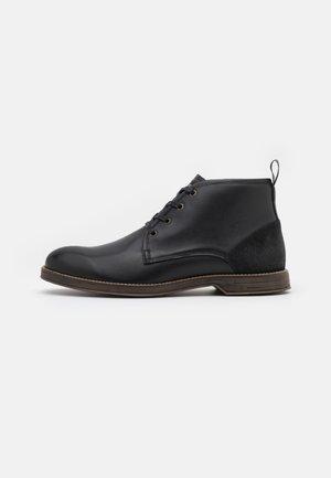 NICK - Šněrovací boty - black