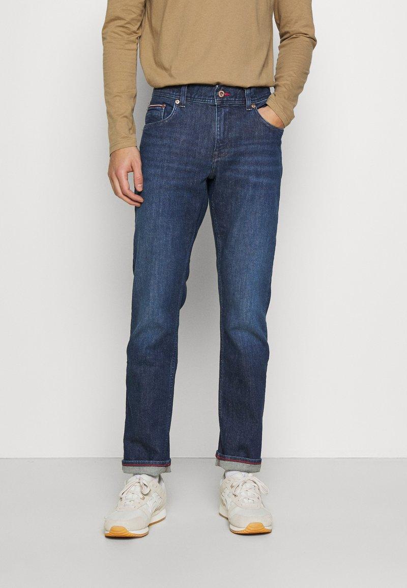 Tommy Hilfiger - CORE DENTON - Straight leg jeans - denver indigo
