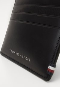 Tommy Hilfiger - POLISHED SLIDE HOLDER - Wallet - black - 2