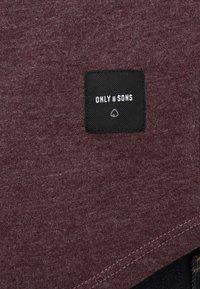 Only & Sons - ONSMATT LONGY MELANGE TEE - T-shirts - winetasting - 5