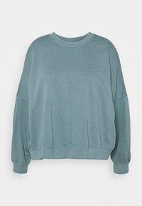 Cotton On Curve - HARPER CREW NECK PULLOVER - Sweatshirt - mid blue - 0