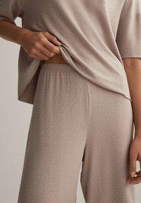 OYSHO - Pyjama bottoms - beige - 3