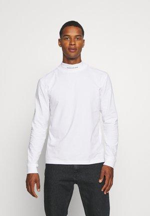 MICRO BRANDING HIGH NECK TEE - Long sleeved top - bright white
