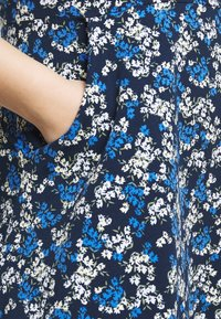Dorothy Perkins Curve - CURVE LONG SLEEVE DITSY PRINT FIT AND FLARE  - Day dress - navy - 5