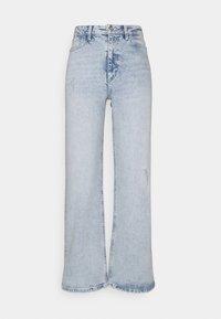 PIECES Tall - PCSUI  - Flared jeans - light blue denim - 0