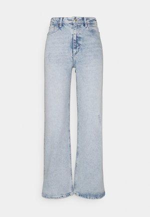 PCSUI  - Flared jeans - light blue denim