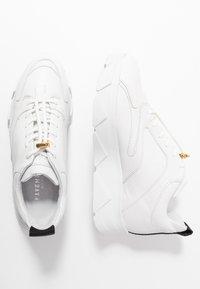 Pavement - PORTIA - Tenisky - white - 3